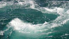 【徳島県】 若山信幸さん(鳴門観光汽船株式会社 代表取締役)に聞きました。/Q.3瀬戸内で実現したい夢・目標・チャレンジは何ですか?………A.瀬戸内海に浮かぶ小豆島や直島等の島々と鳴門を結ぶクルーズ船を走らしたいと思っています。瀬戸内海の島嶼美を100パーセント堪能できるのは、やはり船から見る景色です。船に乗ってゆったりと日常を忘れ、乗り継ぎの手間も心配も無い船で島々を巡り、訪れることができれば、ほんとうにすばらしい船旅を体験でき非日常の時間を過ごせます。  これは、瀬戸内海だからこそ出来、瀬戸内海だけに出来るクルージングであり、大勢の人々に興味を持ってもらえると思います。  #Tokushima_Japan #Setouchi