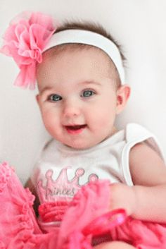 Budget baby fashion tips for all the Moms out there who'd love their little ones to be in style! Super cute baby fashion for less!  via @fabulousforless