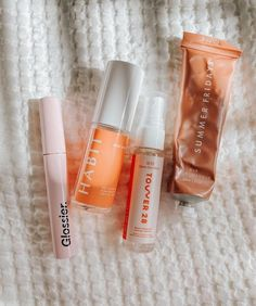 Beauty Care, Beauty Hacks, Makeup Tips, Beauty Makeup, Cosmetic Kit, Anti Aging Cream, Things To Buy, Sunscreen, Voss Bottle