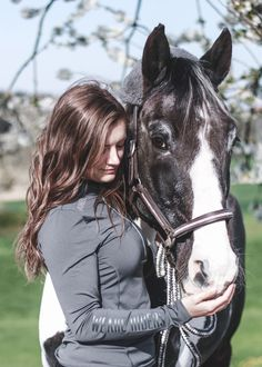 Uniqhorse® Riderskin shirts are made from performance material specifically developed for riders to protect you during the cold season. Their fit-focused cut and artisan workmanship make them feel like a second skin Equestrian Girls, Color Quartz, Muscle Fatigue, Second Skin, Dressage, Cold Weather, Riding Helmets, Horses, Stylish