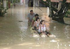 Covesia.com - Ribuan rumah di dua Kecamatan di Kabupaten Langkat, Sumatera Utara, terendam banjir setinggi 50 centimeter hingga satu meter dan dikhawatirkan...