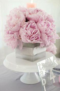 pink and gray arrangement   Wedding