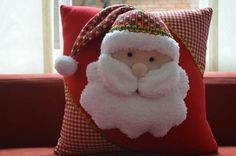Christmas 2019 : Christmas decorations 2019 - 2020 that you can make with felt - Trend Today : Your source for the latest trends, exclusives & Inspirations Beautiful Christmas Decorations, Felt Christmas Decorations, Felt Christmas Ornaments, Noel Christmas, Christmas 2019, Christmas Themes, Felt Crafts, Christmas Crafts, Handmade Crafts