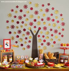 festa pic nic árvore Birthday Crafts, Birthday Decorations, Birthday Parties, Hobbies And Crafts, Diy And Crafts, Crafts For Kids, Decoration Creche, Cute Frames, Animal Party