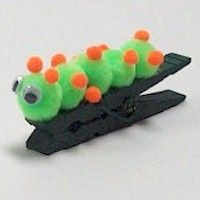 Inch Worm Clip Clip Craft for your Bugs Badge. Lots more bug crafts on… Girl Scout Swap, Daisy Girl Scouts, Girl Scout Troop, Brownie Girl Scouts, Scout Leader, Worm Crafts, Bug Crafts, Camping Crafts, Preschool Crafts