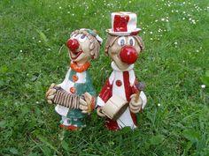 klauni Clay, Christmas Ornaments, Holiday Decor, Ceramic Sculptures, Home Decor, Art, Papier Mache, Pottery, Pottery Ideas