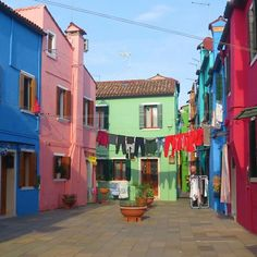 """Sometimes all you need is a little splash of color"" #burano #entre2escale"