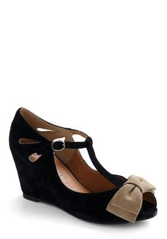 Bow-town Favorites Wedge | Mod Retro Vintage Wedges | ModCloth.com - StyleSays