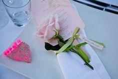 Mariage de Georgina & George, organisé au Domaine des Andéols dans le Lubéron, dîner en terrasse, décoration A Fleur et à Mesure et Chez…