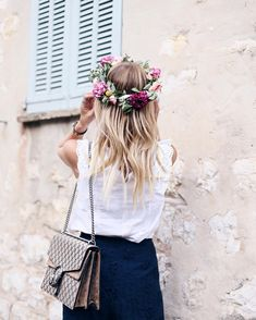 Leonie Hanne @ohhcouture - Flower lovers, there will...Yooying