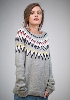 Bilderesultat for sandnes garn Sweater Knitting Patterns, Cardigan Pattern, Knit Patterns, Circular Knitting Needles, Knitting Stitches, Free Knitting, Icelandic Sweaters, Fair Isle Knitting, Knitwear