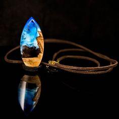 Tasarım ahşap reçine kolye (SATILDI)  #woodandresin  #handmade  #blue  #design  #unique  #tasarim  #ahşap  #reçine