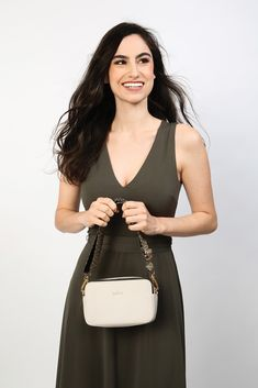 DM Merchandising's Kedzie MODERNIST PURSE: Spacious main compartment, Parallel top zippers, Back slip pocket Adjustable, removable strap, and Custom two-tone lining Zippers, Pocket, Purses, Top, Fashion, Handbags, Moda, Fashion Styles, Zipper