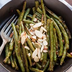 and rich potatoes on the plate. Steak Sides, Steak Side Dishes, Best Side Dishes, Side Dish Recipes, Roasting Frozen Vegetables, Paleo, Keto, Roasted Green Beans, Baked Chicken Breast