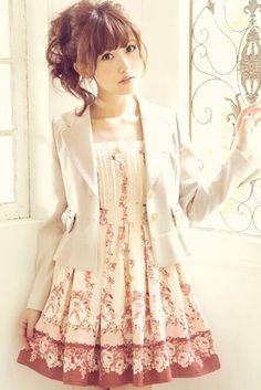 Liz Lisa http://ameblo.jp/lizlisa-official/entry-11916052674.html