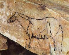Cueva del Castillo, Cantabria, Spain Ejemplo de arte parietal pintado con carbon probablemente. Podemos ver q la técnica implica la creacion de una herramienta, en este caso quemar una rama para logran algo similar a un lápiz. Se podría intentar reproducir esta tecnica en el aula con carboncillo o construyendo herramientas con plumas.