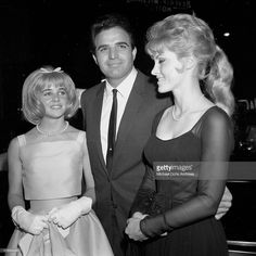 """Sheri Nelson, Vince Edwards and Sue Lyon attend the movie premiere of """"Lolita"""" in Los Angeles,CA. Get premium, high resolution news photos at Getty Images Vince Edwards, Sue Lyon, Stanley Kubrick, Film Director, Classic Beauty, Beautiful Actresses, Classic Hollywood, Memories, Actors"""