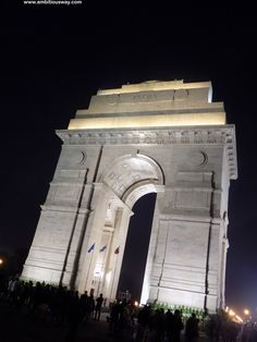 If you'd like to explore Delhi's popular tourist attractions, here are the Best Places to Visit in Delhi to inspire you! India Gate, Famous Buildings, George Washington Bridge, World War I, Check It Out, Wonderful Places, First World, Places To Visit, Names