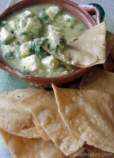 Queso panela en salsa verde – www.pizcadesabor.com