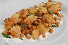 Salata calda cu conopida si naut - CAIETUL CU RETETE Cauliflower, Vegetables, Food, Salads, Cauliflowers, Vegetable Recipes, Eten, Veggie Food, Meals