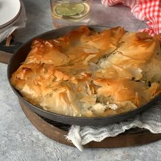 This Chicken Spinach Filo Pie is delicious and easy to make. Easily customizable to use up different leftovers in the fridge. Perfect for a casual supper or fancy dinner. Phyllo Dough Recipes, Pastry Recipes, Gourmet Recipes, Cooking Recipes, Leftover Chicken Recipes, Leftovers Recipes, Turkey Recipes, Filo Pastry Pie, Puff Pastry Chicken