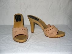 High Heels Candie's Shoes Vintage Size 6 Tan Leather With Studs . , Vintage CANDIES Platform Sandals by MariesVintage on Etsy, . Vintage Shoes, Vintage 70s, Vintage Outfits, Vintage Fashion, 70s Fashion, 70s Shoes, Me Too Shoes, Open Toe High Heels, Platform Shoes