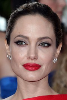 Angelina Jolie, red lip makeup - Beauty Editor