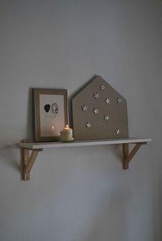 maison en lin aimantée Little Houses, Floating Shelves, Diys, Sweet Home, Inspiration, Home Decor, Magnet Boards, Bricolage, Dinner Room