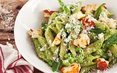 Pea, haloumi and mint penne