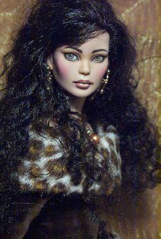 Illustrated Girl Fashion Doll Repaints by Viktoria La Paz: MEI LI