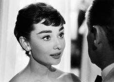 Audrey Hepburn in Sabrina (Billy Wilder, 1954).