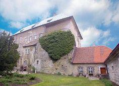 Hrad Castle, Čechy (Hrad byl založen ve 2.polovině 13.století)