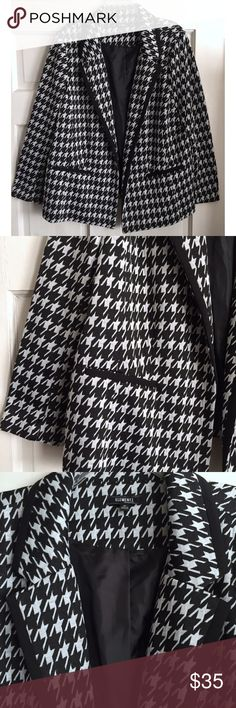 Houndstooth Blazer ELEMENTZ WOMAN for Macy's /  Classic Houndstooth Blazer - US PLUS SIZE 3X *junior plus brand. Sizing runs slightly small* - Black & white Houndstooth print  - Black piping along collar and lapel - Lined in body, but not the sleeves  - Double faux front slit pockets - Shell: 77% polyester / 20% rayon / 3% spandex *soft fabric with slight stretch - Lining: 100% polyester  ✅ NWOT- brand new, never worn ✅ NO trades / NO low-balling ✅ List price is fair and highly discounted✌️…