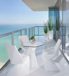 Contemporary Modern Balcony Garden Bungalow Design Ideas: Highrise Condo Balcony Ideas Home Design Ideas, Pictures Home Design, Condo Design, Home Interior Design, Design Ideas, Apartment Design, Apartment Plants, Design Concepts, Patio Design, Design Design