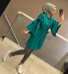 Modern Hijab Fashion, Muslim Women Fashion, Street Hijab Fashion, Modesty Fashion, Fashion Wear, Fashion Outfits, Hijab Dress Party, Hijab Style Dress, Casual Hijab Outfit