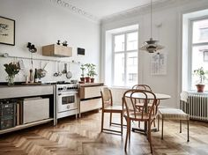 Soft Minimalism with Custom Made Plywood Furniture | Ems Designblogg