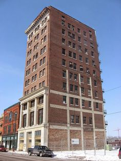 "This is the abandoned Tecumseh Building in Springfield, Ohio, USA. The Tecumseh is one of the tallest building in Springfield, giving it ""skyscraper"" status."