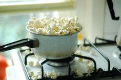 Movie nights means popcorn. You don't especially like popcorn, but you eat it anyway. I'm glad to share. Ex Machina, Macaroni And Cheese, Food Photography, Food And Drink, In This Moment, Snacks, Cooking, Healthy, Ethnic Recipes
