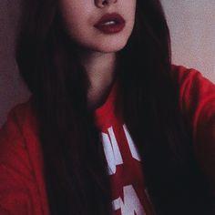 @hi.im.adina insta. #lips #longhair #red #redlips