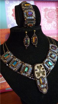 """Well, finally, I can put the whole set on my necklace """"Magnificent Century"""" Uraaa do on a relative's wedding ... the color is ... richer and more noble or something, because the color is darker and deeper ... For example, a few photos. - Комплект """"Великолепный век"""" 