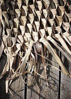 Madam Stoltz Muurdecoratie Palmblad 150 x 120 - Madam Stoltz - www. Boho Wall Hanging, Wabi Sabi, Decoration, Linen Fabric, Boho Decor, Home Accessories, Wall Decor, Wood, Crafts