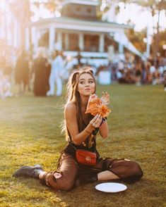 The stunning sierra✨✨ Rave Festival, Festival Looks, Raves, Pizza Girls, Coachella 2018, Music Festival Outfits, Music Festivals, Concerts, Walking By