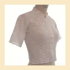 Vintage 1950s blouse in white crochet lace pattern with short