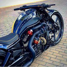 Harley Davidson Night Rod, Harley Davidson Motorcycles, Custom Motorcycles, Cars And Motorcycles, Harley V Rod, Harley Bikes, Futuristic Motorcycle, Motorcycle Bike, Custom Street Bikes