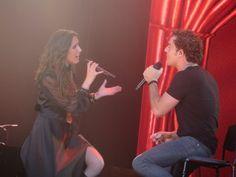 David Bisbal, artista invitado, canta a duo con Malú