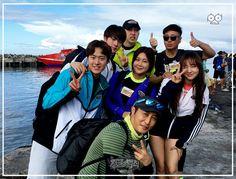 Jin with the 'Law of the Jungle' cast ❤ IG Update) Jimin Jungkook, Bts Bangtan Boy, Bangtan France, Gong Myung, Yoo Jae Suk, Law Of The Jungle, Kim Jong Kook, Hip Hop, Bts Twt