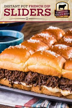 Instant Pot French Dip Pull-Apart Sliders with dipping sauce is an incredible party food. Carne Angus, Boeuf Angus, Angus Beef, Best Beef Recipes, Roast Recipes, Burger Recipes, Yummy Recipes, Recipies, Beef Shoulder Roast