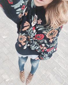 """339 Me gusta, 30 comentarios - Myestile⚡️Esti◽️IG Inspiration (@myestile) en Instagram: """"Flowers, flowers, flowers ✨💓 Saturday ⚡️Funday ⚡️ A disfrutar de los días de calma y sosiego. Por…"""""""