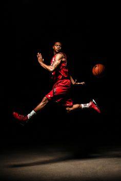 Basketball Senior Pictures, Senior Pictures Boys, Senior Boys, Sports Pictures, Senior Photos, Basketball Photography, Sport Photography, Sports Art, Kids Sports