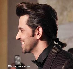 Hritik Roshan's New Hairstyle – Sports a Ponytail at GQ Man of the Year Awards 2013 Mantown Boy Hairstyles, Indian Hairstyles, Mens Ponytail Hairstyles, Hrithik Roshan Hairstyle, Man Ponytail, Bollywood Hairstyles, New Hair Trends, Barefoot Blonde, Gq Men